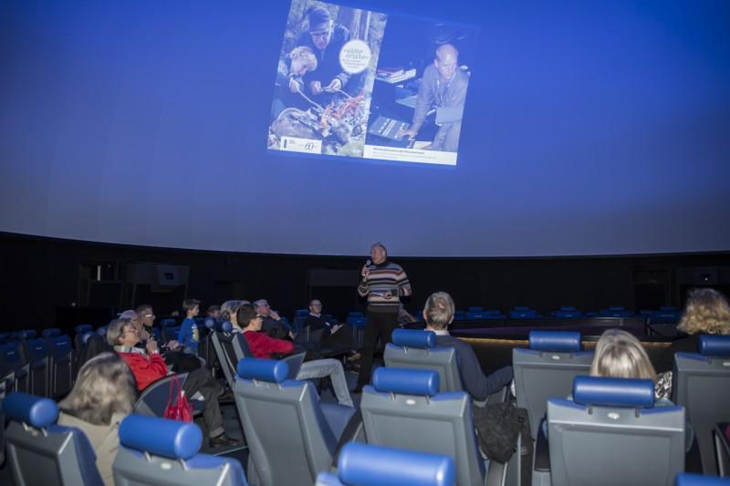 """""""Zäme erläbe"""" - Wie funktioniert das Planetarium mit Werner Pfäffli. 16. Dezember 2015"""